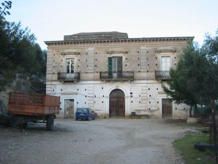 Luxury villa by the sea in Italy (Puglia)