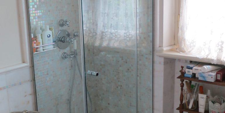 villa azzurra 47 bagno camera primo piano 1-min