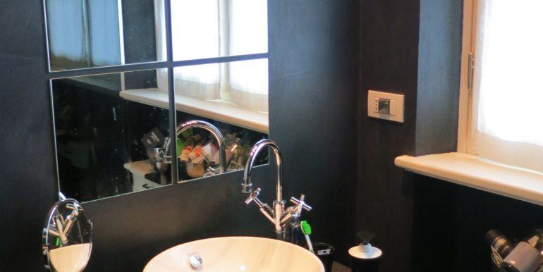 villa azzurra 51 bagno camera primo piano 2-min