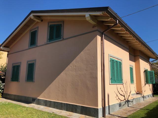 Marina di Pietrasanta – Villa 1 km from the sea